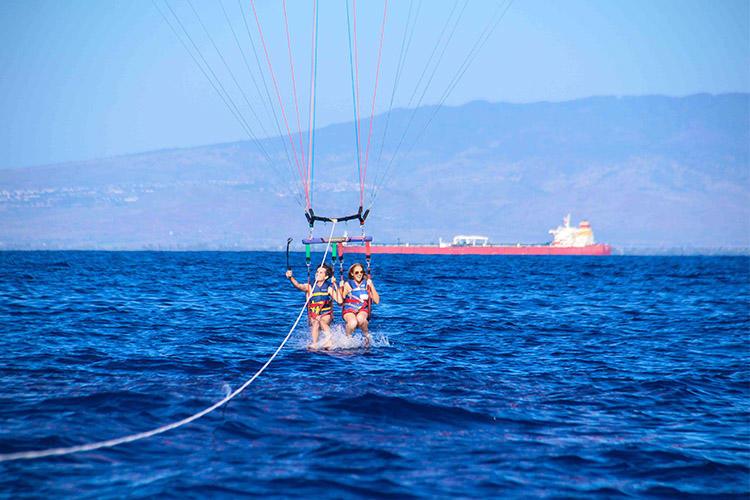 夏威夷欧胡岛滑翔伞