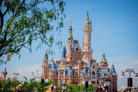 【当季爆款】上海一地+迪士尼双高3日探索游【迪士尼一日入园/梦幻烟花会/登高赏魔都夜景/网红·云朵书院·晨咖/印记·四行仓库】