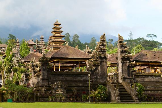 印度尼西亚、文莱、东帝汶3国15日、体验城市与海岛双结合、精品小团、全程四星级酒店、一价全含!不收小费!不推自费