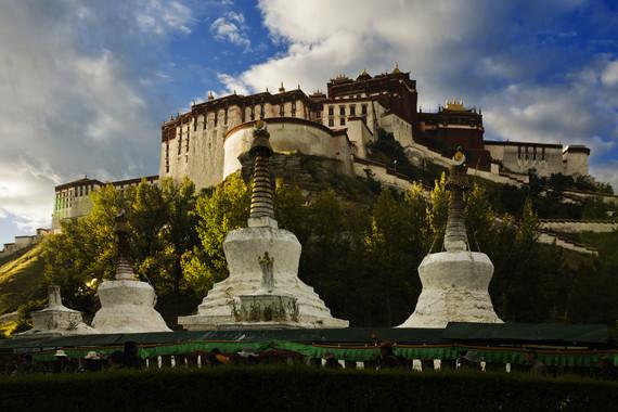 【藏历新年】西藏圣地祈福卧去飞返9日游【圣湖撒龙达/甘丹寺燃香祈福/五钻酒店/仅此一团】